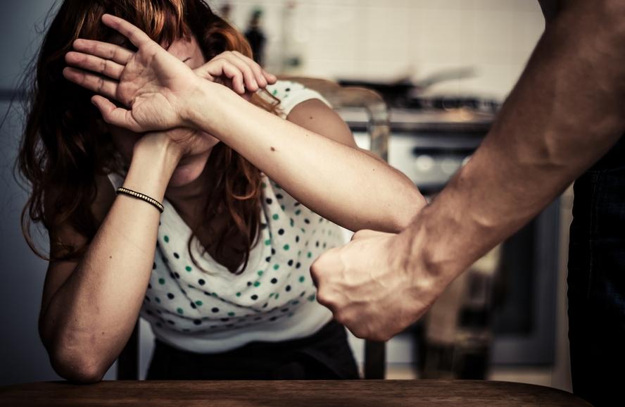 Violência doméstica: condenado poderá perder direito à pensão e partilha de bens